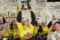 IRL: Sam Hornish wins wild Richmond race