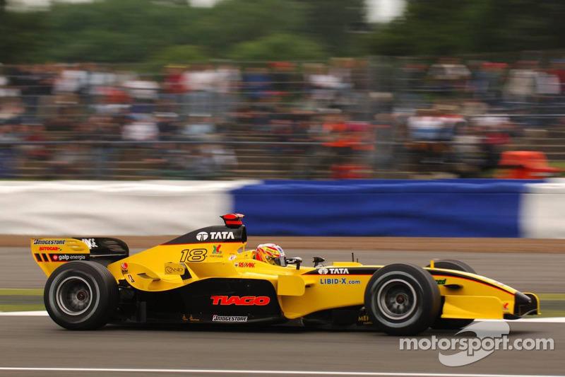 Monteiro improves his record