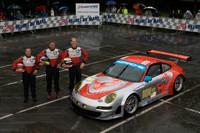 Porsche wages battle in GT2