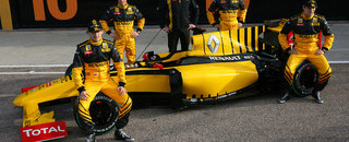 Renault debuts R30 at Circuit de Valencia