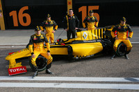 Renault debuts R30 at Circuit de Valencia