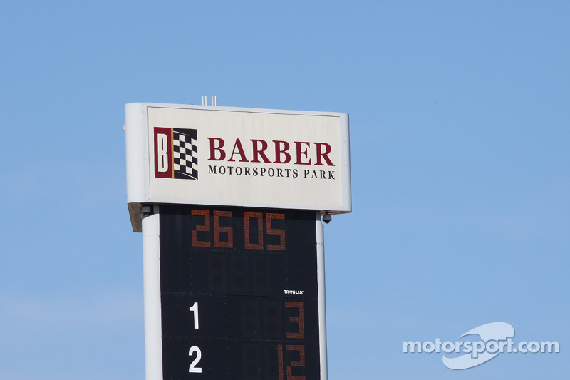 IndyCar series news and notes 2011-03-10