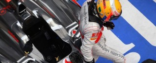 Hamilton reduces Vettel's title lead with China win
