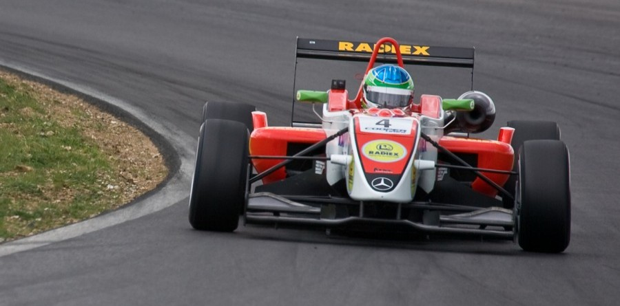 Lucas Foresti Takes First Round At Brands Hatch