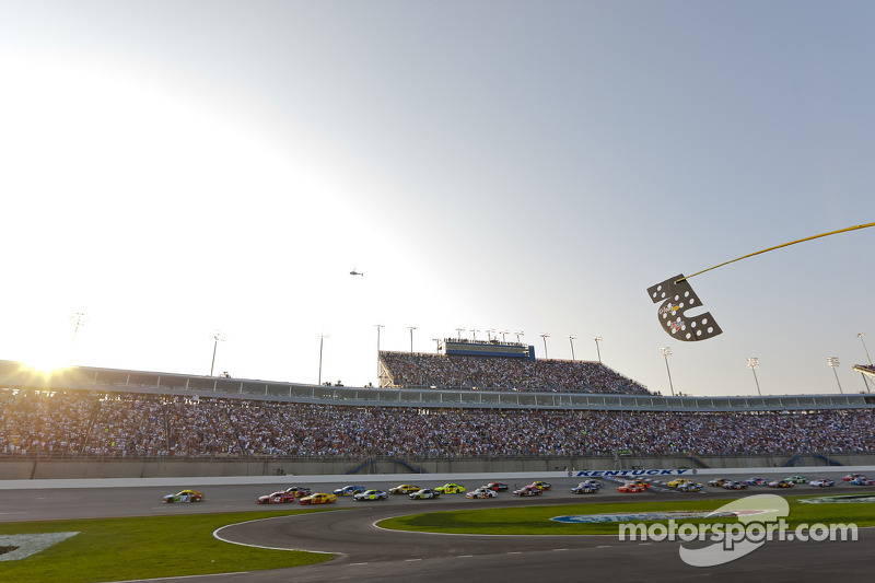 Kentucky Speedway Offers Apology, Ticket Options