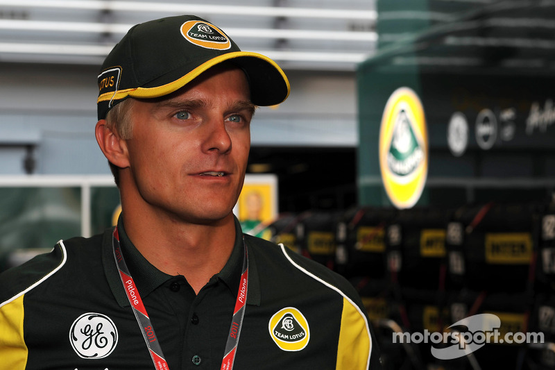 Kovalainen defends Hamilton before Suzuka meeting