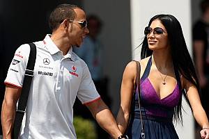 Formula 1 Hamilton splits with pop star girlfriend