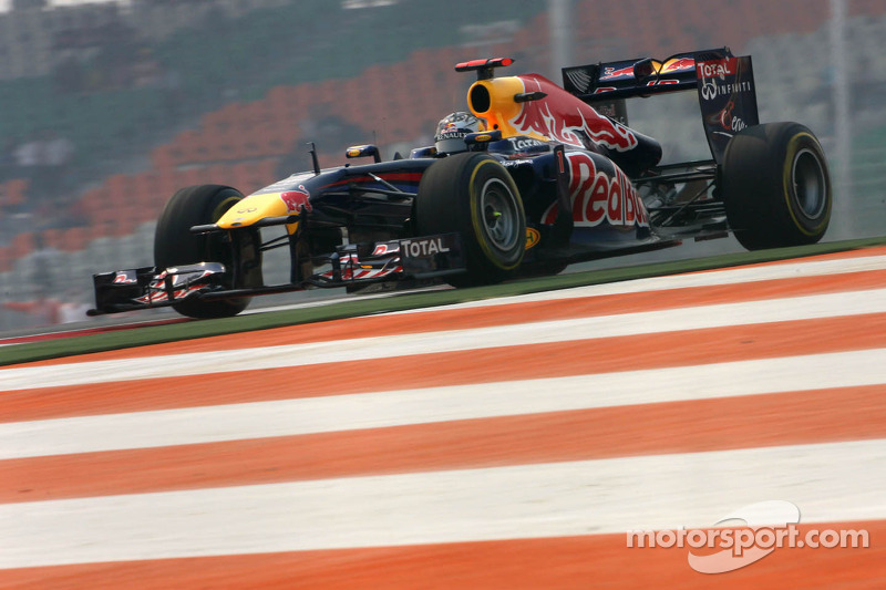 Vettel controls inaugural Indian Grand Prix and eases to victory again