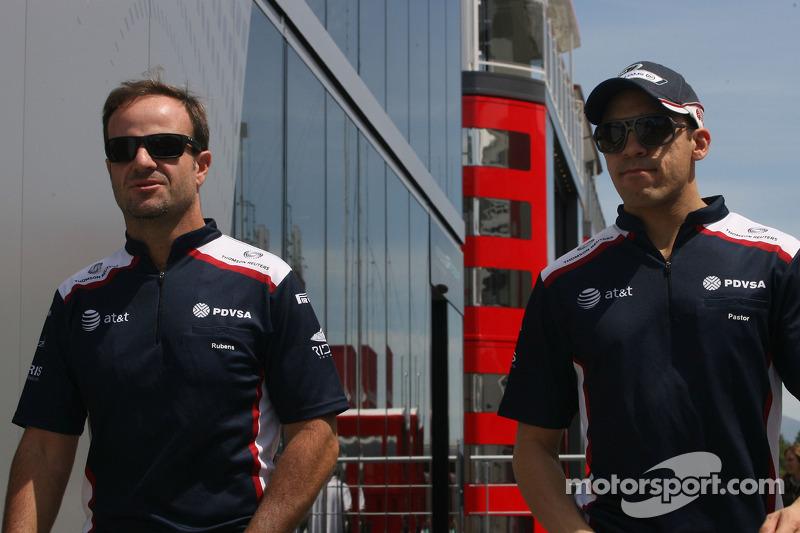 Maldonado happy to keep Barrichello as teammate