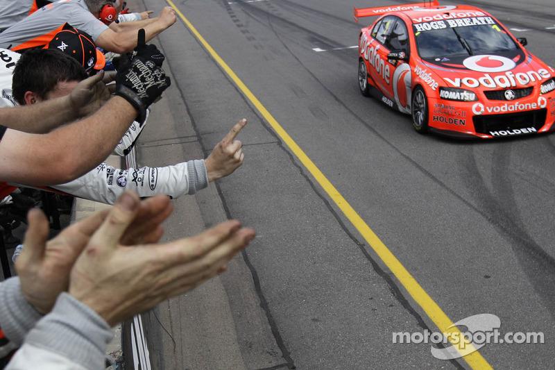 TeamVodafone Adelaide race 1 report