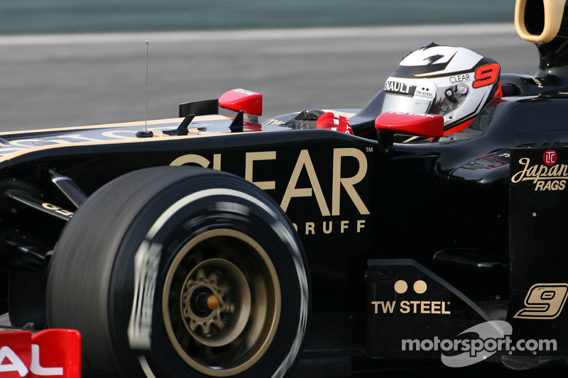 Raikkonen leads the way for Lotus on final testing day at Barcelona