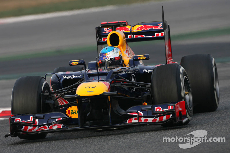 Red Bull to bring 'new' RB8 to Australia