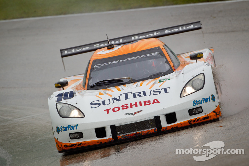 Angelelli, Taylor and Corvette win rain soaked Homestead race