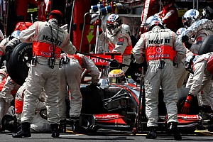 Formula 1 McLaren reacts after pitstop problems