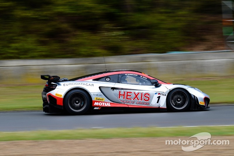 Breakthrough double win for HEXIS McLaren at Navarra