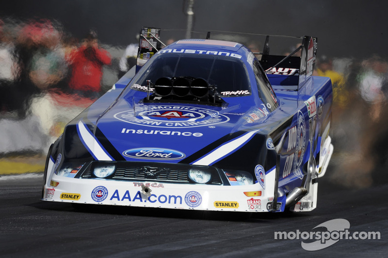 Hight leads John Force Racing in Englishtown Friday qualifying