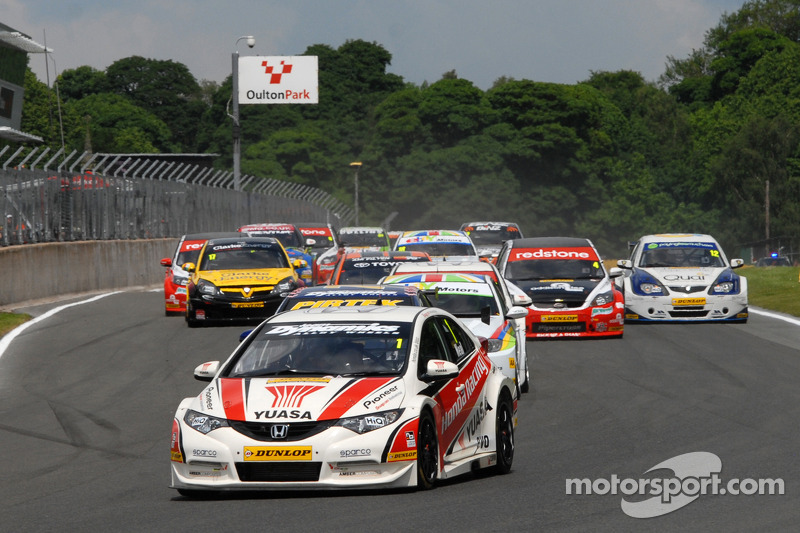 Matt Neal claims series lead with Croft win