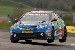 BTCC Race report Plato fights back to win race 3 at Croft