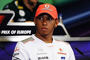 Hamilton to negotiate with McLaren over trophies