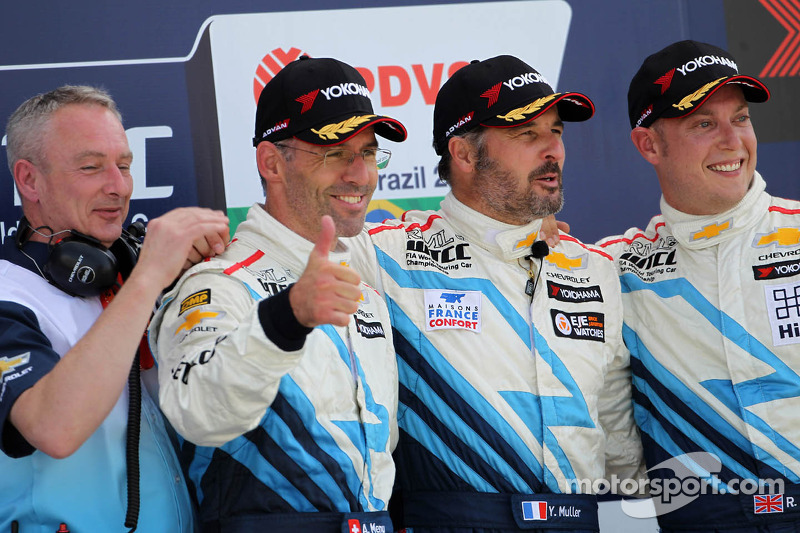 Triple and double wins for the Cruzes in Brazil