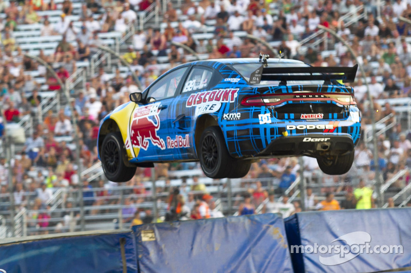 Travis Pastrana Nationwide and Global Rally Cross in the same weekend - video