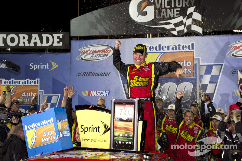 Bowyer wins rain-delayed race at Richmond; Chase field set