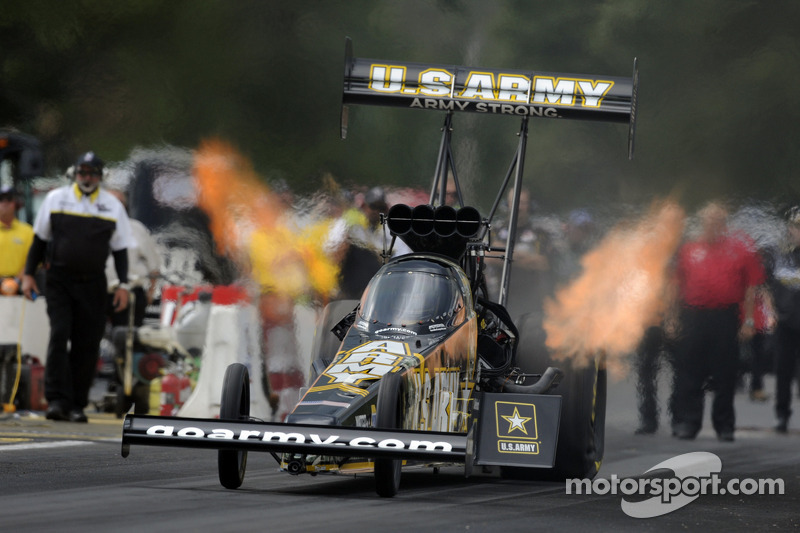 Tony Schumacher, Beckman lead DSR on Friday in Dallass