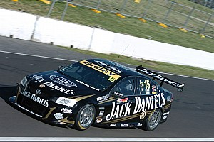 V8 Supercars Preview Rahal, Andretti try out Jack Daniel's Racing's cars before Gold Coast event