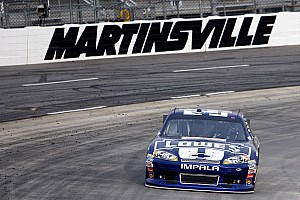 NASCAR Sprint Cup Race report Johnson wins Martinsville 500, nets Chevrolet Manufacturers' title