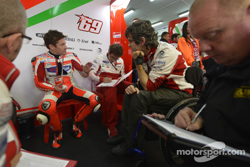 Difficult qualifying for Ducati Team at Valencia