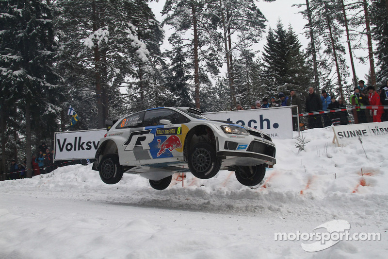 Ogier places his Polo R in the lead in Sweden's leg one