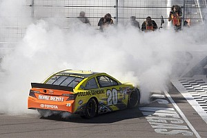 NASCAR Sprint Cup Race report Kenseth holds strong to score the victory in Las Vegas