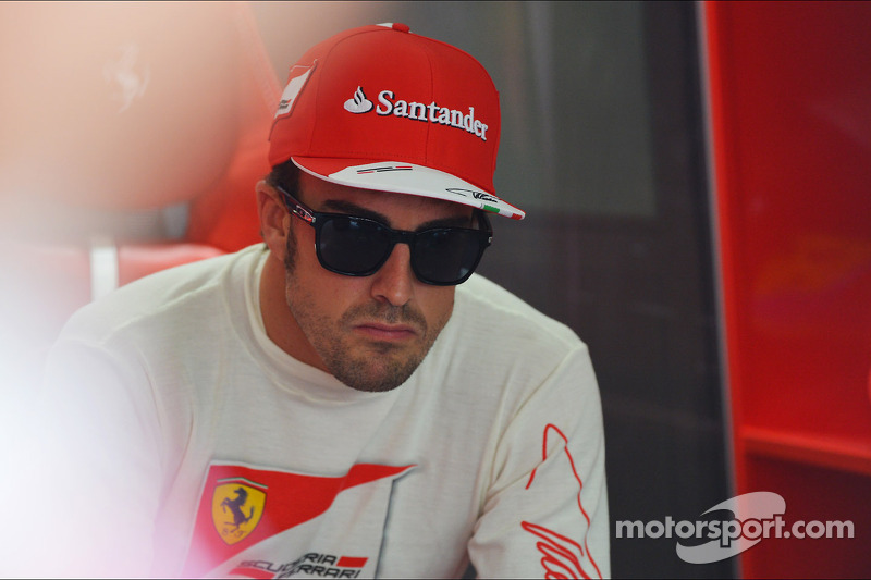 Sepang shows Red Bull 'not united' - Alonso