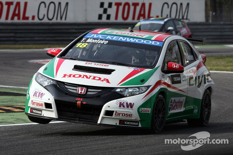Collision ruins qualifying for Monteiro in Marrakech