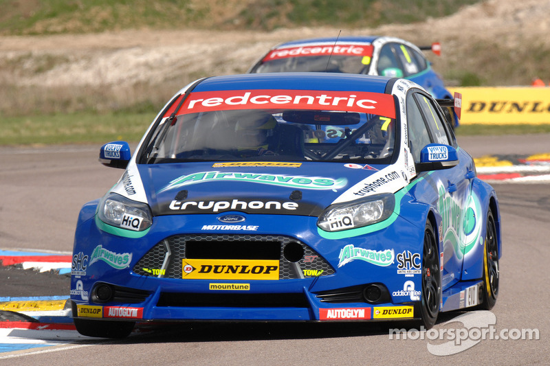 Airwaves Racing's hard work rewarded at Thruxton