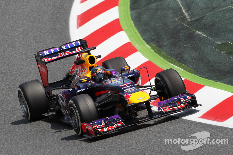 Vettel sets the pace on Circuit de Catalunya in Friday practice