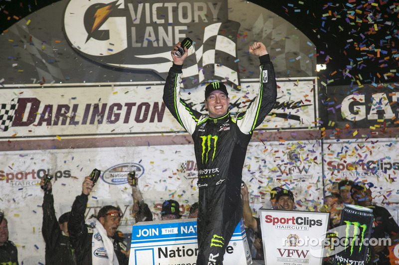 Kyle Busch continues JGR's dominance at Darlington