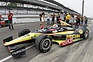 Servia successfully qualifies for the Indianapolis 500