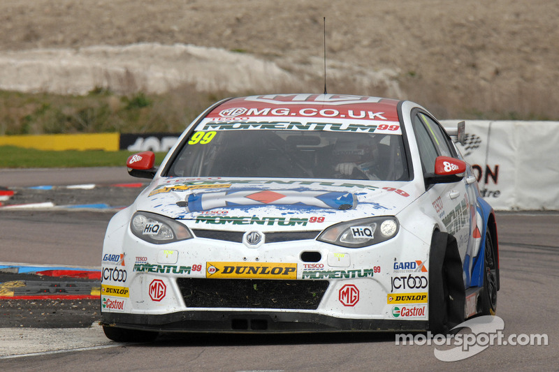 Jason Plato plants it on pole at Oulton Park
