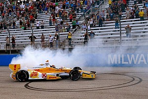 IndyCar Race report Hunter-Reay repeats as Milwaukee IndyFest winner