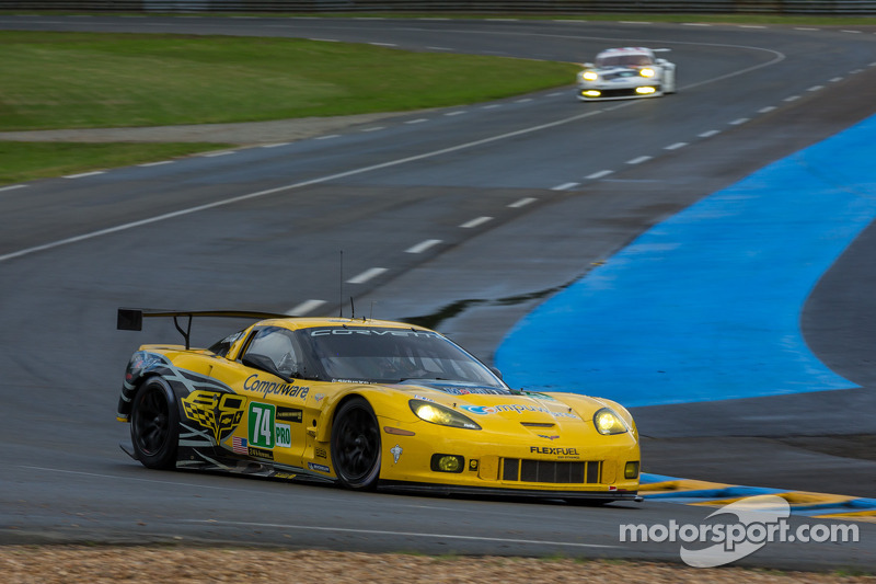 Corvette Racing keeping up fight in opening hours at Le Mans