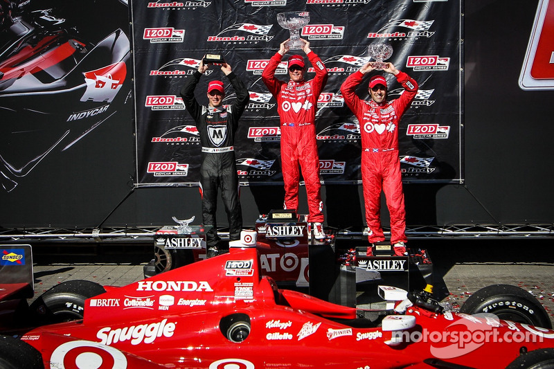 Dixon claims win at Toronto's Race 1