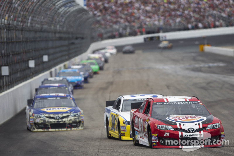 Reutimann stays out of trouble, finishes 28th in New Hampshire