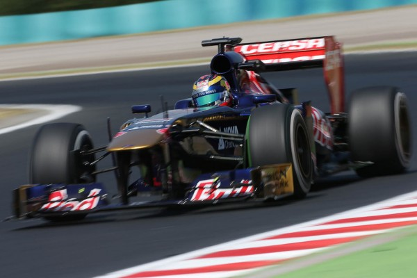 Vergne 'very happy' to stay at Toro Rosso