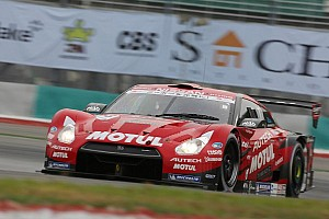 Super GT Qualifying report 2012 series champion pair take Suzuka pole position for third consecutive year