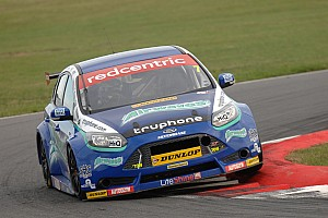 BTCC Race report Airwaves Racing firmly in the mix at Rockingham