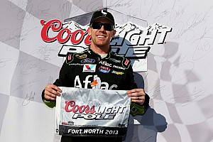 Edwards powers to his first Texas Motor Speedway pole