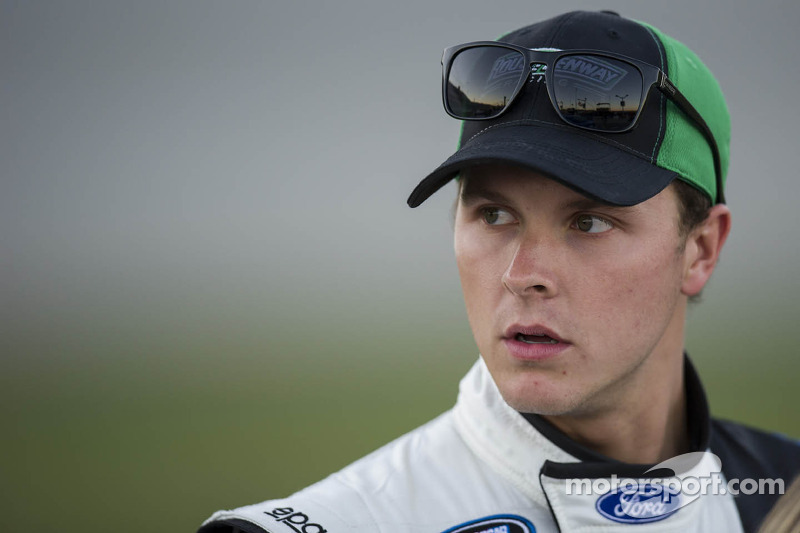 Trevor Bayne diagnosed with MS, will continue to race
