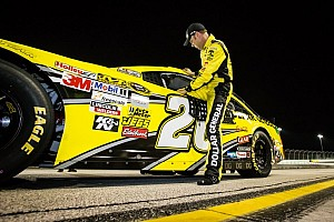 NASCAR Sprint Cup Qualifying report Kenseth races to season finale pole at Homestead