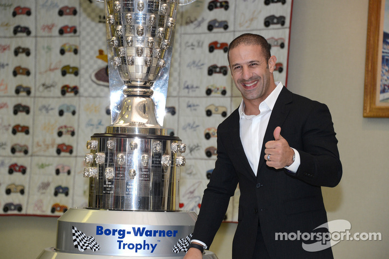 Indy 500 winner Kanaan cherishes likeness on Borg-Warner trophy